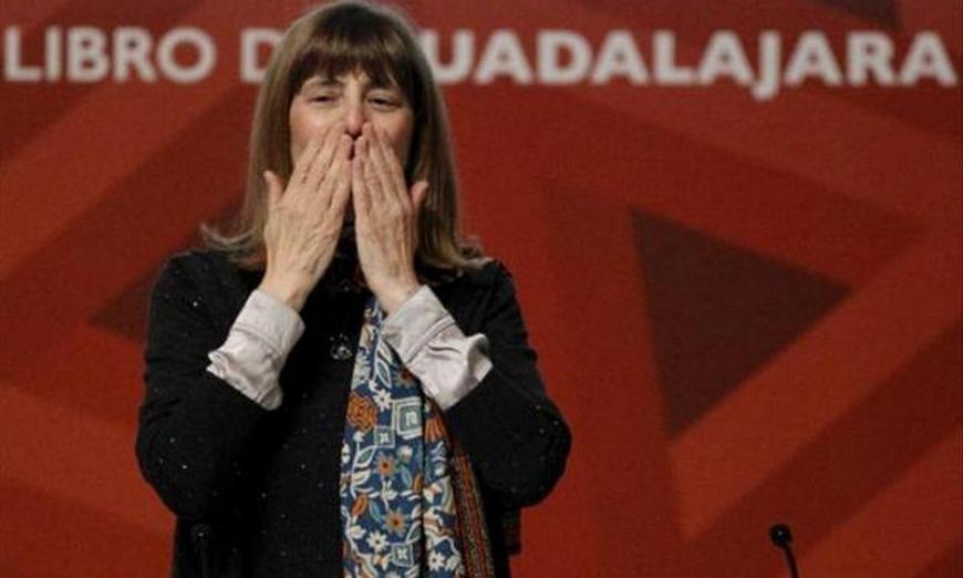 Perla Suez recibió el Premio Sor Juana Inés de la Cruz -