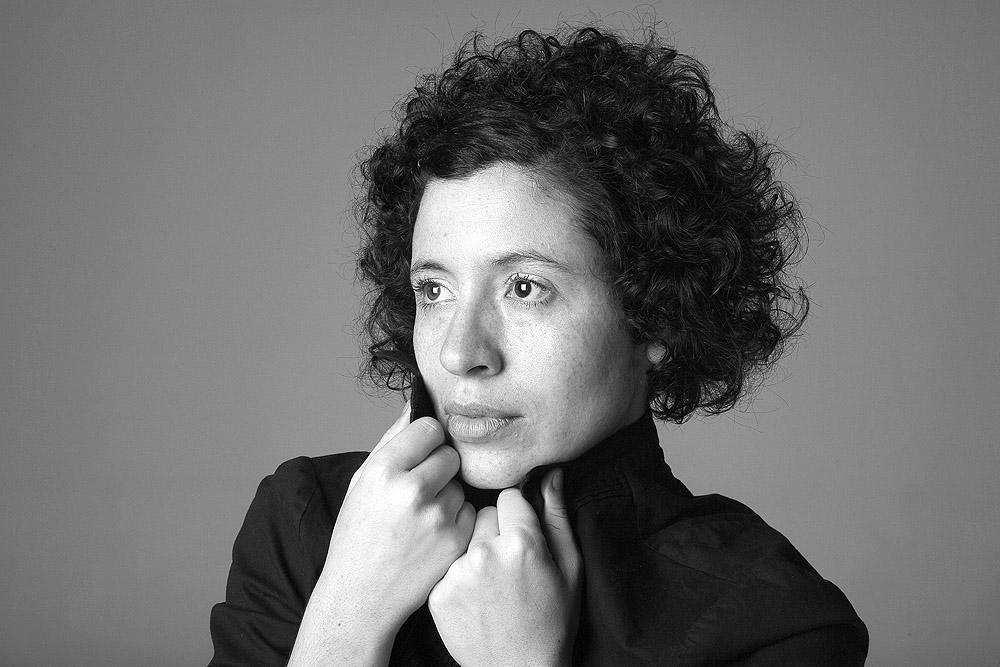 Una novela poética y onírica - Laura Cardona
